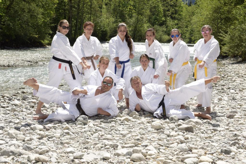 Frauen im Karate